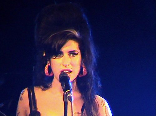 amy-winehouse-eyeliner.jpg