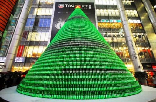 beer-bottle-christmas-tree.jpg
