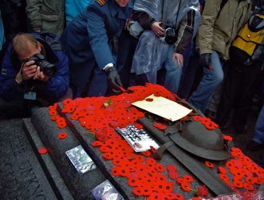 canadian_tomb_of_the_unknown_soldier-remembrance_day.jpg