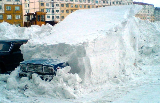 car-buried-in-snow.jpg