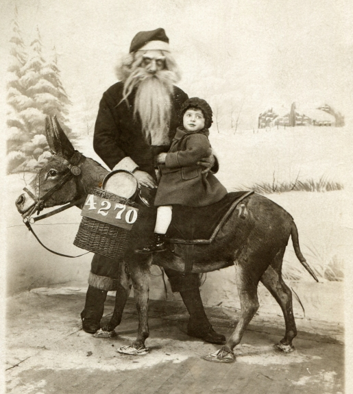 creepy-santa-picture.jpg
