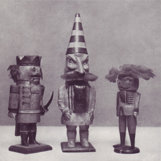 creepy-wooden-toys.jpg