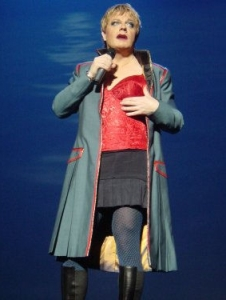 eddieizzard17oct2003.jpg