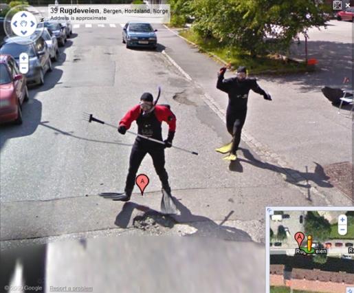 frog-men-attack-google.jpg