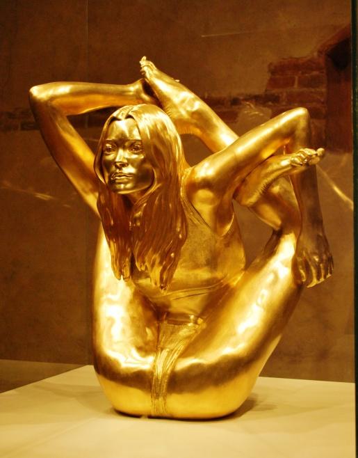 gold-kate-moss.jpg