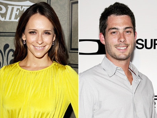 JLH and Brian Hallisay are expecting a Client List baby.