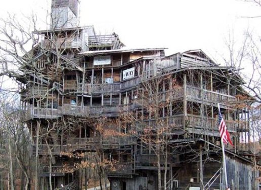 largest-reclaimed-wood-treehouse.jpg