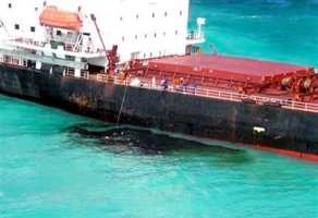oil-spill-great-barrier-reef.jpg