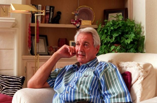 Voice of the NFL Pat Summerall is dead at 82.