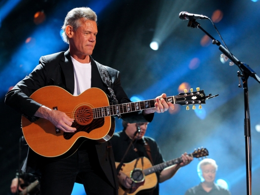 Randy Travis has suffered a stroke.