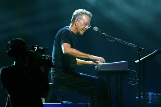 Ray Manzarek tickling the keyboard during a live performance.