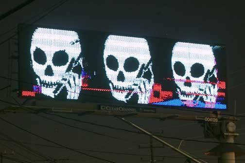 skullphone6.jpg