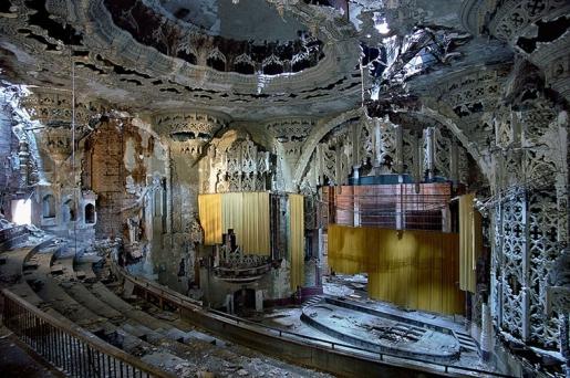 united-artists-theater-detroit.jpg